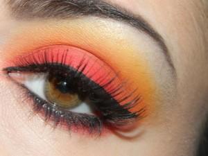 Amazing and Stunning New Styles of Eye Make Up 2016