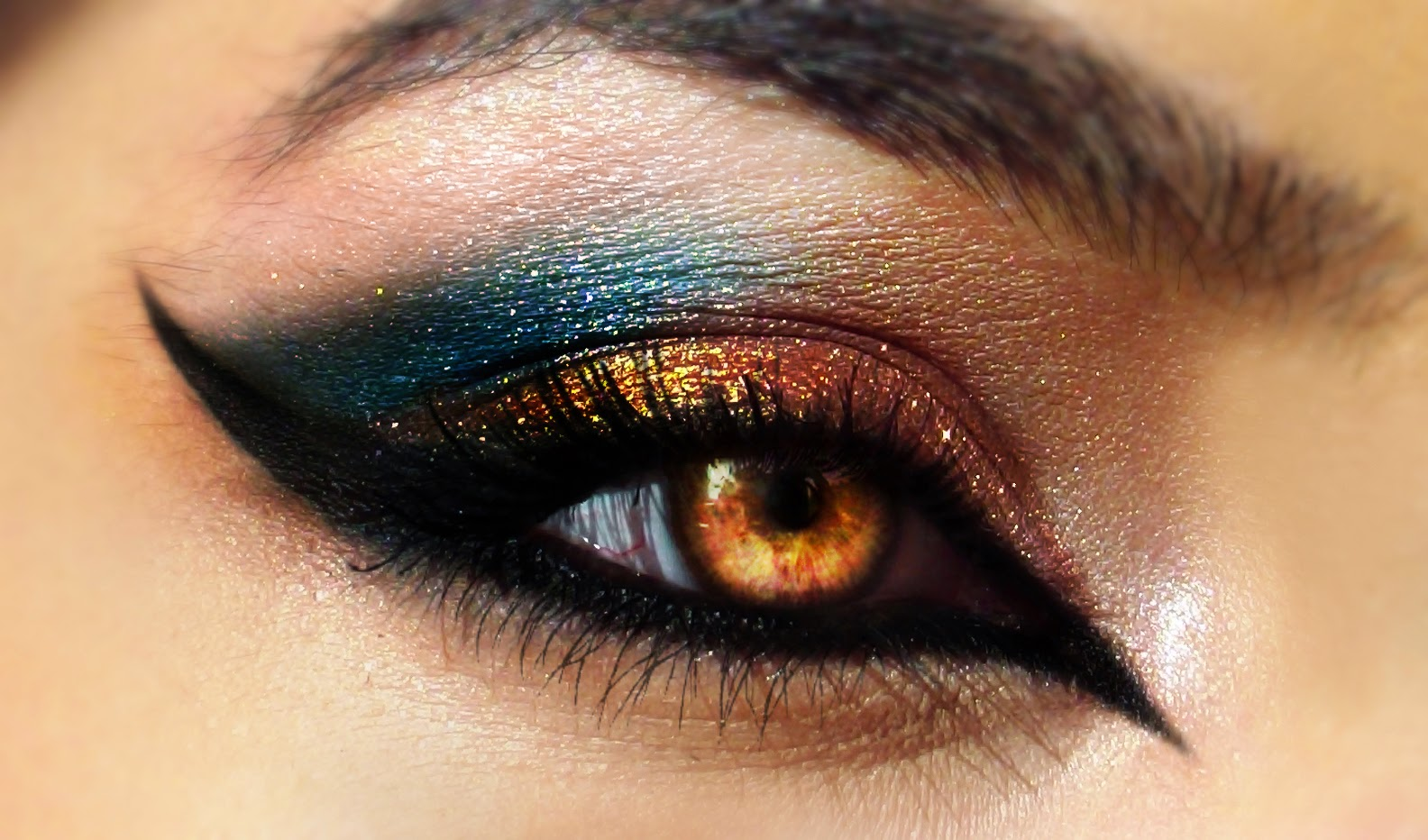 Amazing And Stunning New Styles Of Eye Make Up 2016 - Top Pakistan