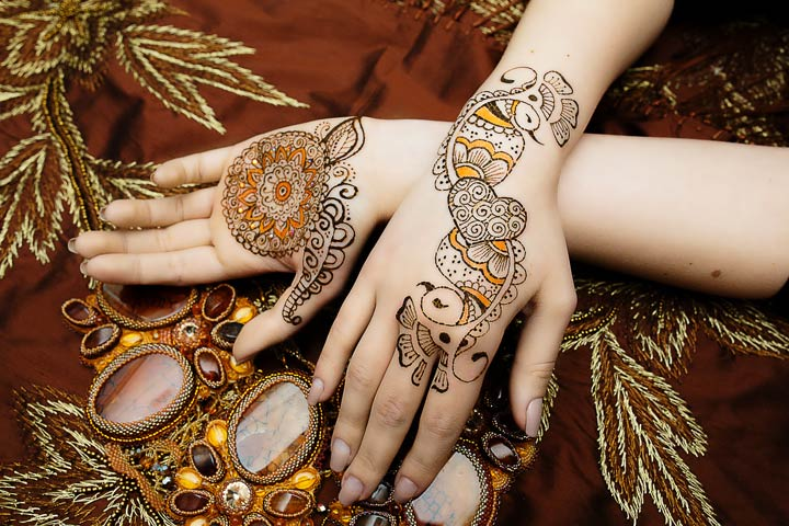 colourful-peacock-mehndi-designs6