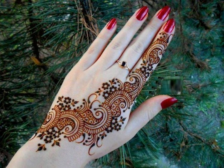 peacock-mehndi-designs-for-hand2