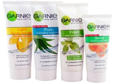 Garnier Light Fairness Face Wash - Top 10 Face Wash in Pakistan