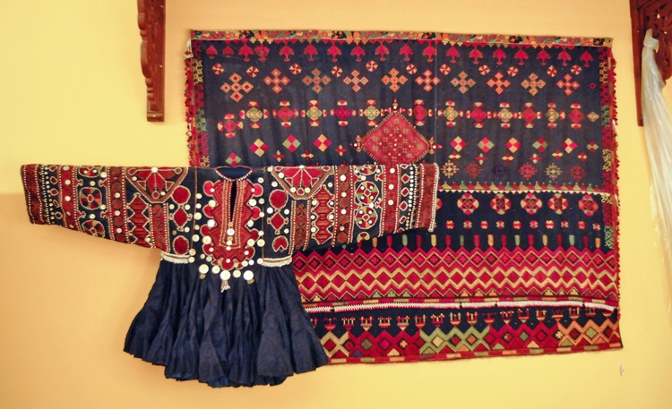 2016-sindhi-embroidery-dresses-designs