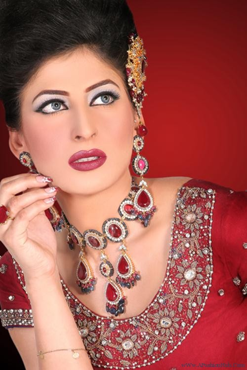 pakistani-bridal-makeup-2