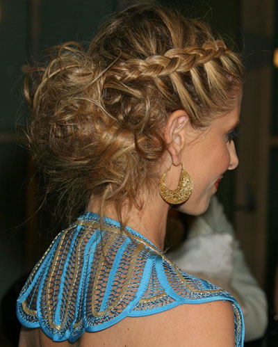 pretty-and-stylish-hairstyle-2