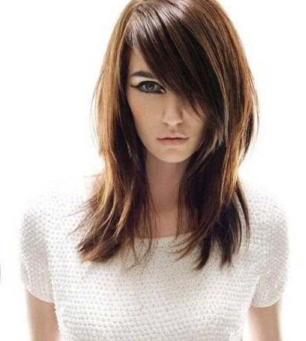 medium-hairstyle-for-girls