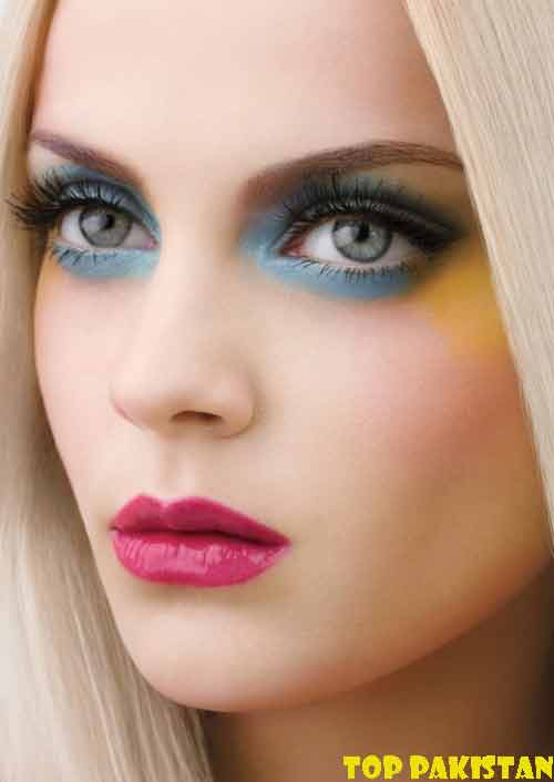 pretty-girls-eye-makeup-for-small-eyes