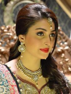 Top-Ten-Pakistani-Actress
