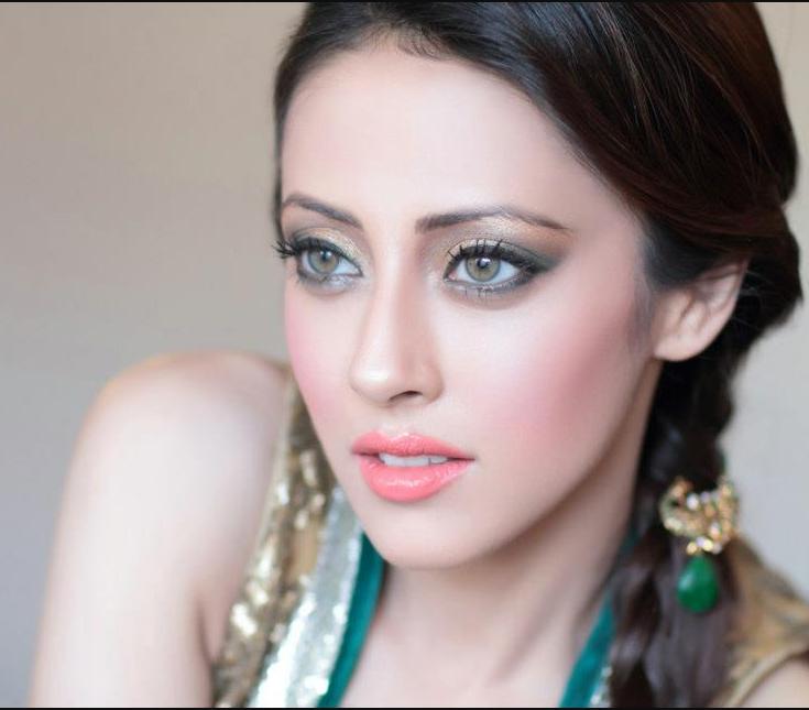 ainy-pakistani-models